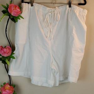 Laura Scott withe shorts 3X